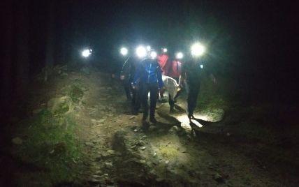 Развели костер во время привала: в Карпатах в результате взрыва погибли двое туристов, еще четверо ранены