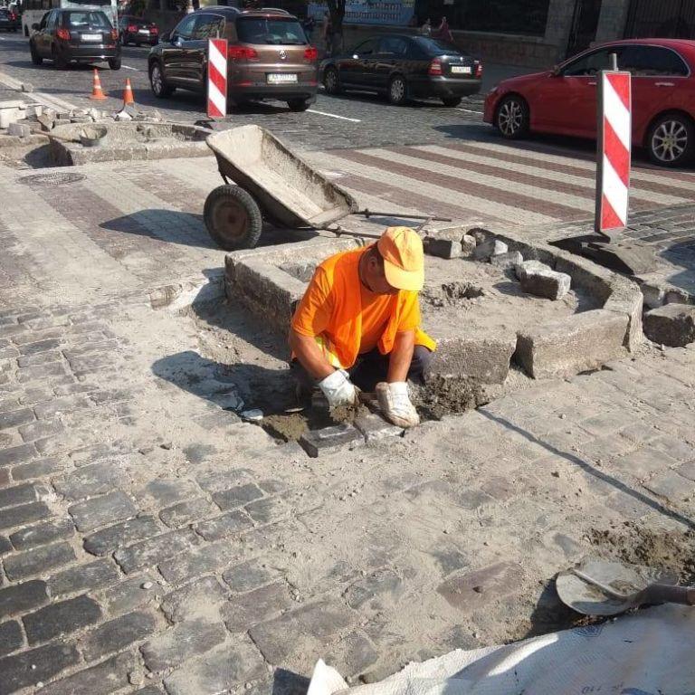 В Киеве на улице Грушевского появится безопасный пешеходный переход