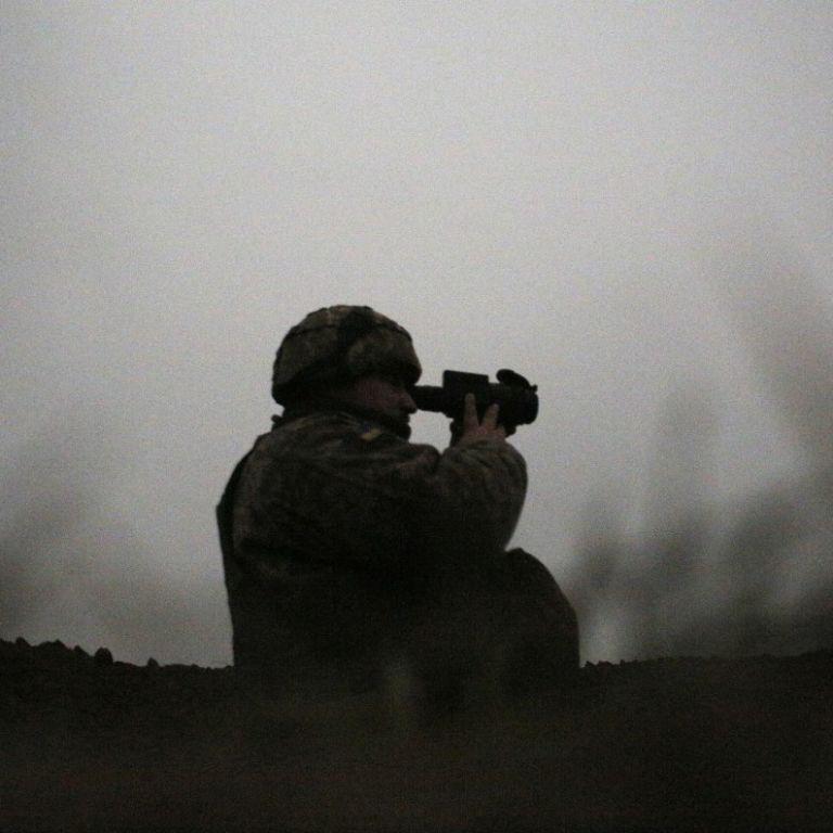 Обстрелы боевиков на Донбассе не прекращаются: погиб военнослужащий