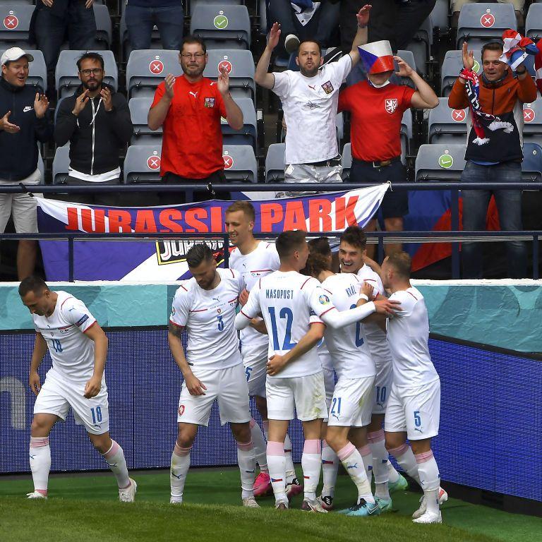 Главный шедевр турнира: гол с центра поля помог сборной Чехии обыграть Шотландию в матче Евро-2020