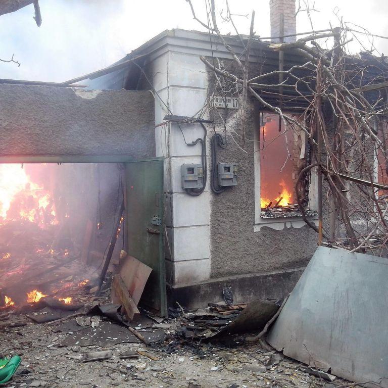 Близько 40 постраждалих під час кривавого обстрілу Маріуполя у надважкому стані