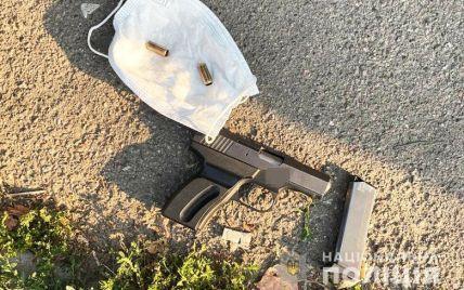 В Киеве мужчина устроил беспорядочную стрельбу из-за замечаний об алкоголе