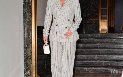 У штанному костюмі Jean Paul Gaultier і окулярах Valentino: новий образ Леді Гаги в Нью-Йорку