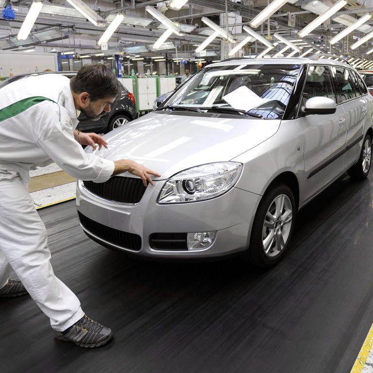 Автовиробництво в Україні скоротилося майже наполовину: який транспорт випускали в червні