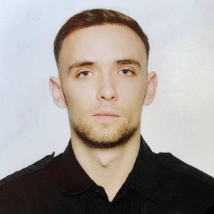 Залишилася дружина та 5-місячна дитина: під Києвом у ДТП загинув 24-річний патрульний