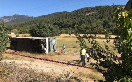 Смертельное ДТП в Турции с участием автобуса с украинцами: названо вероятную причину аварии (фото)