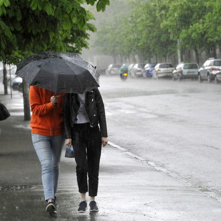 Погода в Україні: синоптикиня назвала регіони, де завтра припиняться дощі