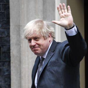 Корупційний скандал у Британії: проти Джонсона почали розслідування через його відпочинок у 2019 році
