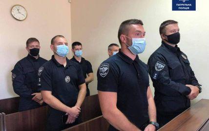 Проглотил сверток с наркотиками: во Львове шесть патрульных приговорили к 8 годам тюрьмы из-за смерти парня
