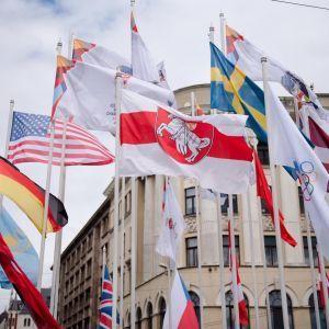 """""""Поводяться, як жебраки"""": у Держдумі РФ жорстко образили Латвію через скандал із прапором Білорусі на хокейному ЧС"""