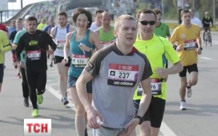 У померлого на київському марафоні чоловіка народилася донька