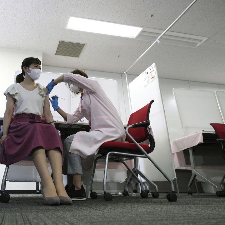 """""""Небезпечна тенденція"""": ВООЗ застерігає від змішування та поєднання вакцин проти COVID-19"""