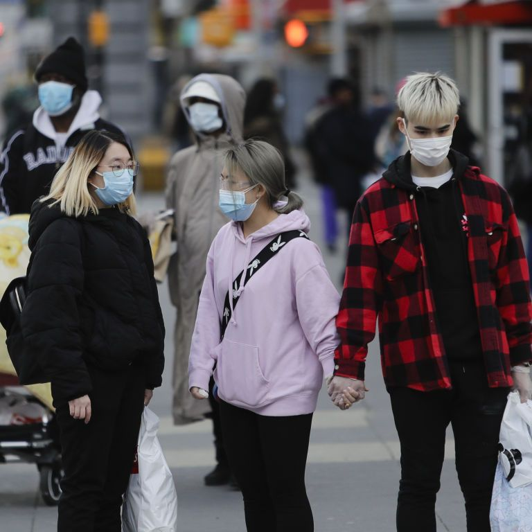 США хотят вводить американцам только половину дозы вакцины от коронавируса