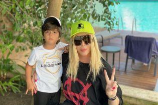 Ирина Билык показала подросших сыновей в новой семейной фотосессии