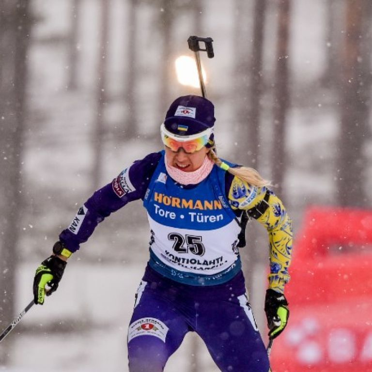 Кубок мира по биатлону: украинка Джима заехала в топ-10 в первой гонке в 2021 году