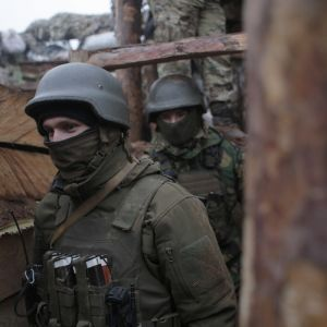 На Донбасі в бік українських армійців летять ворожі снаряди, яких досі бійці навіть не бачили
