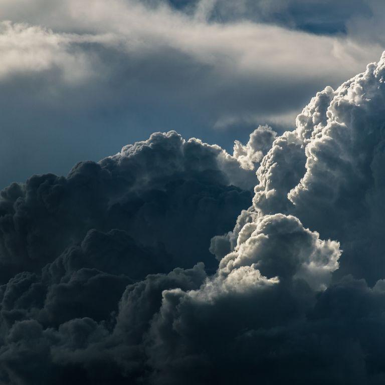 Дощ, град і сильний вітер: у Дніпропетровській області синоптики на три дні оголосили штормове попередження