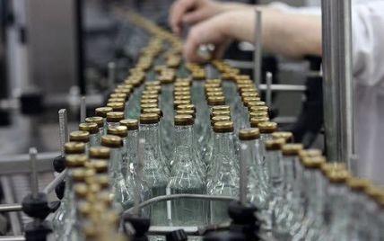 """20 тыс бутылок водки: в Запорожье """"накрыли"""" сеть по реализации контрафактного алкоголя"""