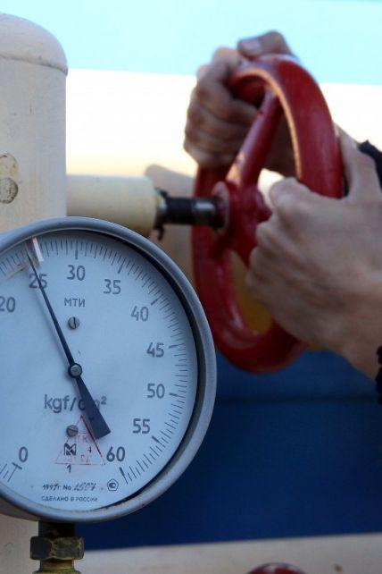 """Транзит газа в обход Украины: что известно о скандальном соглашении Венгрии и """"Газпрома"""", как отреагировал Киев"""