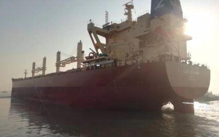 """""""Не кожне серце витримає такі стреси"""": на борту кіпрського судна помер український моряк"""