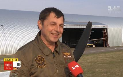 В Коломые с погибшим пилотом Игорем Табанюком прощались в церкви и на аэродроме с самолетами