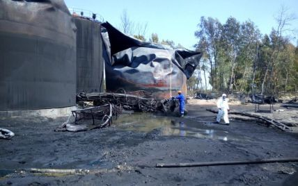 В милиции назвали причину мощного пожара на нефтебазе под Васильковом