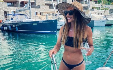 """""""Такая горячая и сексуальная"""": звездная биатлонистка в купальнике восхитила кадром с отдыха"""