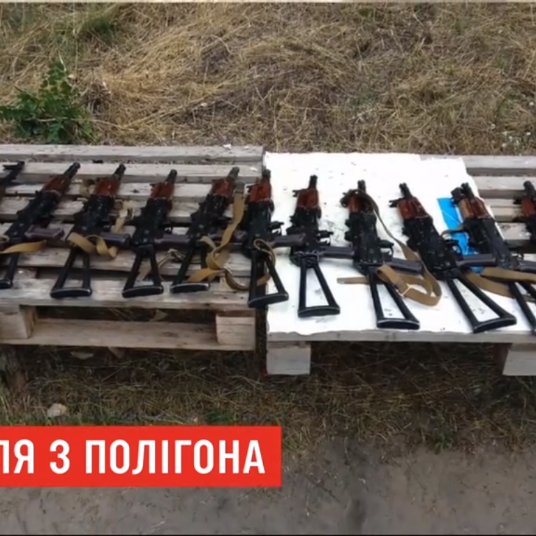 Поранення школяра в таборі Дніпра. Поліція не розповідає, хто стріляв з автомата, та вручила підозру ліснику