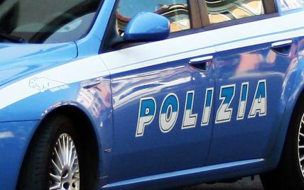 В Італії п'яна 31-річна українка в барі побила поліцейських, які приїхали її затримувати