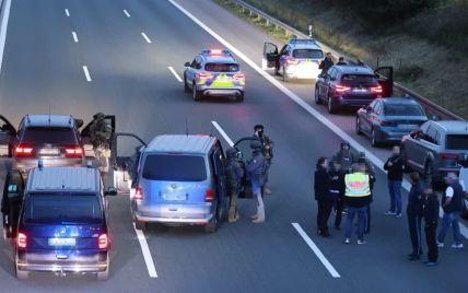 У Німеччині терорист захопив заручників у туристичному автобусі