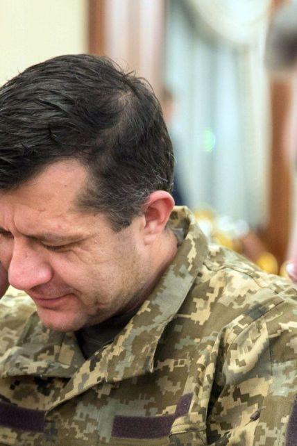 """Месяца плена для красивой телекартинки: почему Порошенко обвиняют в затягивании обмена киборга """"Рахмана"""""""