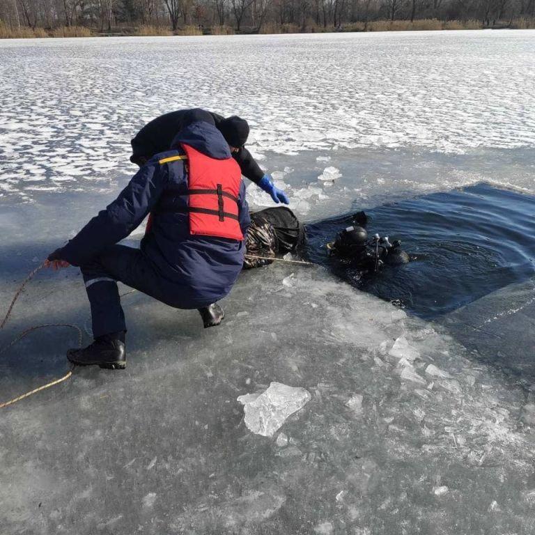 В Киеве в озере Редькино обнаружили тело юноши