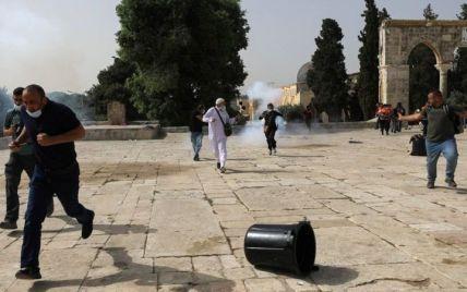 Слезоточивый газ и светошумовые гранаты: в Иерусалиме с новой силой вспыхнули беспорядки