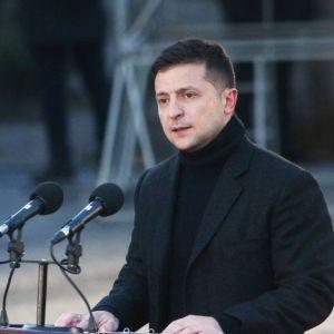 Зеленський пояснив причини відставки уряду Гончарука і запевнив у незалежності нового Кабміну