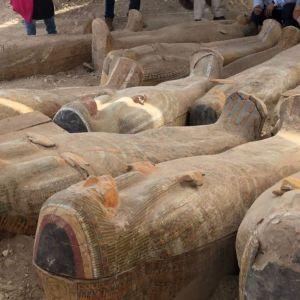 В Египте археологи нашли 20 древних саркофагов