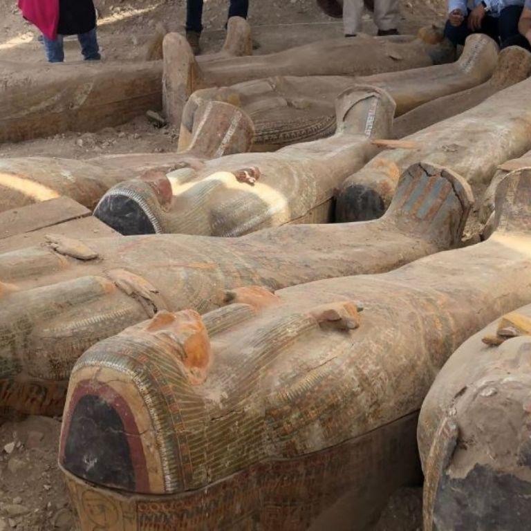 У Єгипті археологи знайшли 20 стародавніх саркофагів
