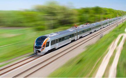 """""""Укрзализныця"""" назначила 11 дополнительных поездов к морю: откуда и куда можно добраться"""