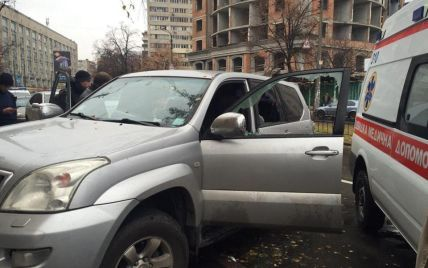 В Киеве со стрельбой напали на водителя внедорожника