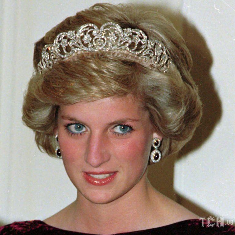 Накануне юбилея народной любимицы: стало известно, кому был адресован последний звонок принцессы Дианы