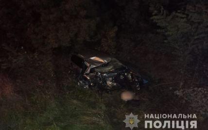 Volkswagen Passat розтрощило: у лобовому зіткненні з фурою загинув 34-річний водій з Луцька (фото)