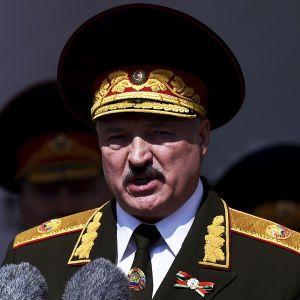 Лукашенко заявил, при каких условиях Россия перебросит свои войска на территорию Беларуси