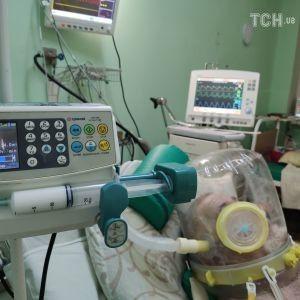 """""""Виживає тільки кожен 6-й на ШВЛ"""": у лікарні Мечникова у Дніпрі розповіли про стан тяжко хворих на коронавірус"""