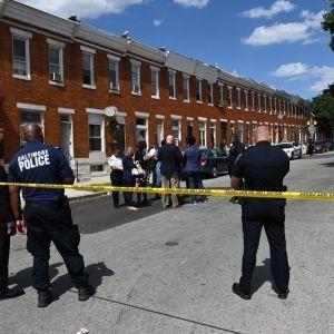 У США невідомі серед білого дня влаштували смертельну стрілянину по перехожих