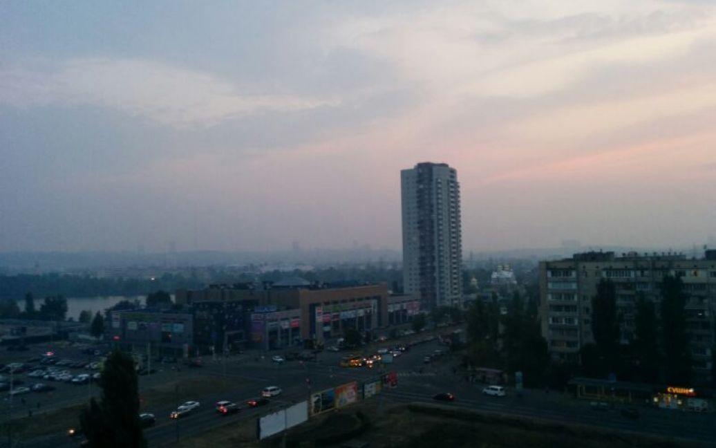 До вечора дим з'явився по всьому місту / © ТСН.ua