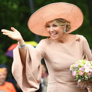 Королева Максима отпраздновала 49-летие: роскошные образы и факты из биографии супруги короля Нидерландов