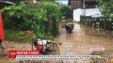 Грозовая стихия потрощила крыши и испортила урожай на Западной Украине