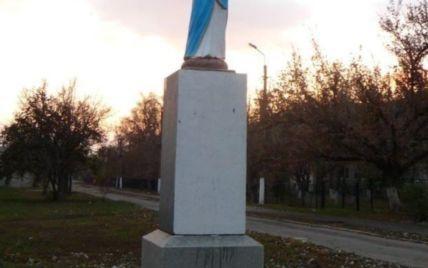 Деньги собирали всем селом: под Запорожьем памятник Ленину заменили на статую Христа