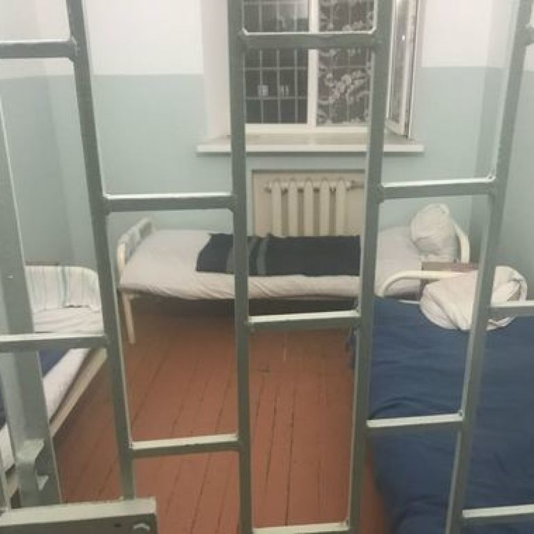 Психічнохворих убивць і ґвалтівників відпустили гуляти вулицями на Житомирщині