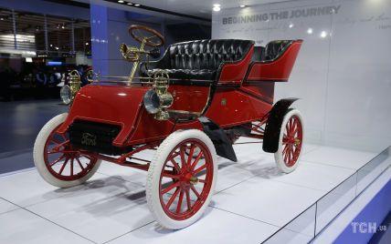 23 липня в історії: заборона китобійного промислу та випуск у продаж першого автомобілю Ford