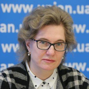 Вакцинации недостаточно, в Украине нужно ввести комендантский час и запретить авиасообщение — Голубовская